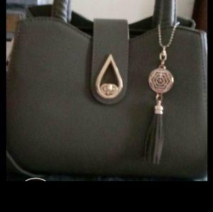 Handbags - A beautiful handbag with spider elegance